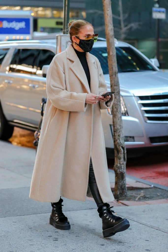 jennifer lopez, coat, shirt, boots, leggings