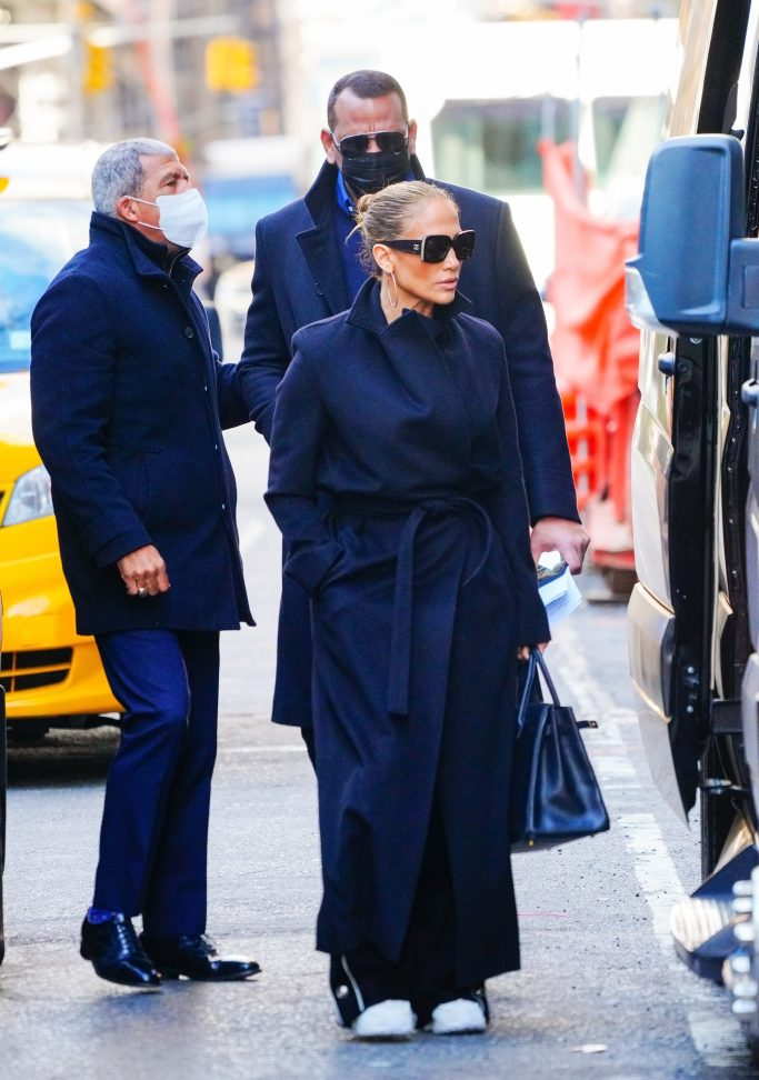 Jennifer Lopez and Alex Rodriguez wear matching coats while departing their apartment in New YorkPictured: Jennifer Lopez,Alex RodriguezRef: SPL5202353 101220 NON-EXCLUSIVEPicture by: Jackson Lee / SplashNews.comSplash News and PicturesUSA: +1 310-525-5808London: +44 (0)20 8126 1009Berlin: +49 175 3764 166photodesk@splashnews.comWorld Rights, No Portugal Rights