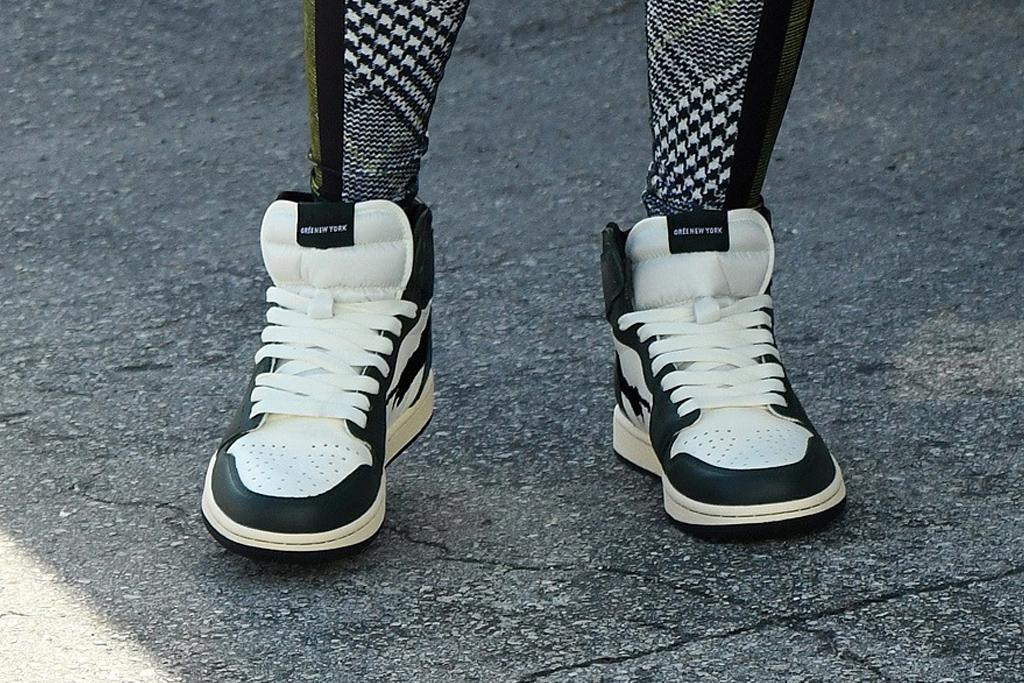 jennifer lopez, sneakers, leggings, miami, workout, gym, shoes, sports bra