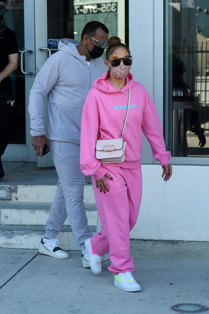 jennifer lopez, pink, sweatshirt, pants, hoodie, nike, sneakers, custom, alex rodriguez, nike, air force 1, miami