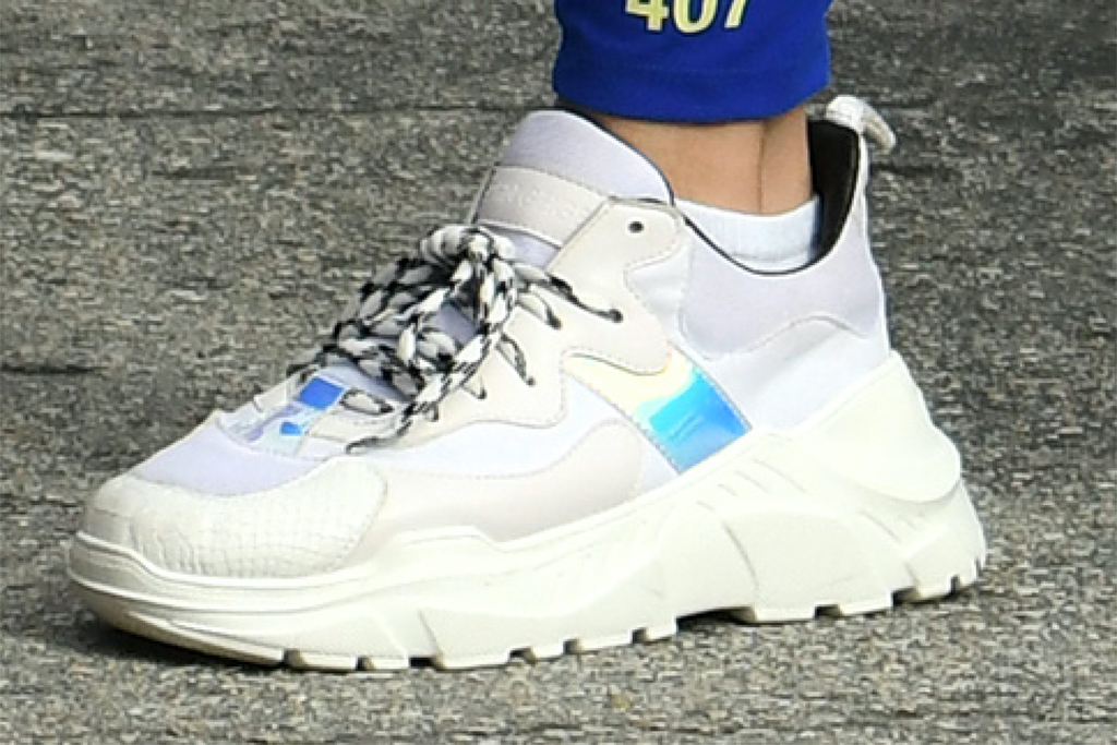 jennifer lopez shoe, jennifer lopez style, chunky white sneaker