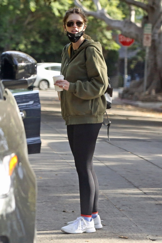 katherine schwarzenegger, leggings, jacket, sweatshirt, baby, bump, sneakers, adidas, los angeles