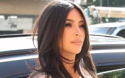 Kim Kardashian, shorts, tank, sandals