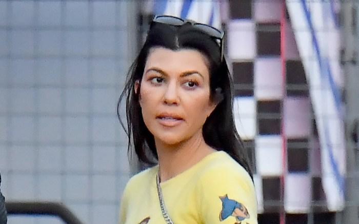 kourtney-kardashian-skirt-crop-top
