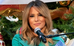 melania trump, christmas, dress, coat, green,
