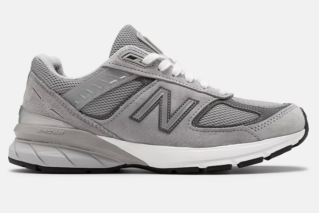 new balance, new balance dad shoes, new balance dad sneakers, dad shoes, dad sneakers, 2020 fashion trends