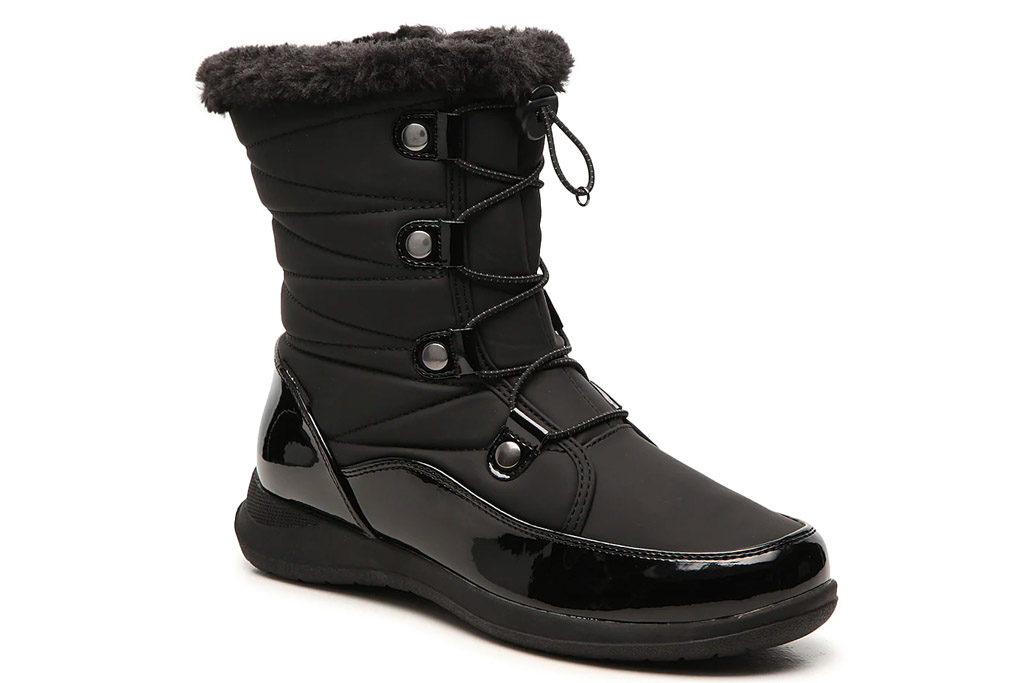 black boots, snow boots, totes