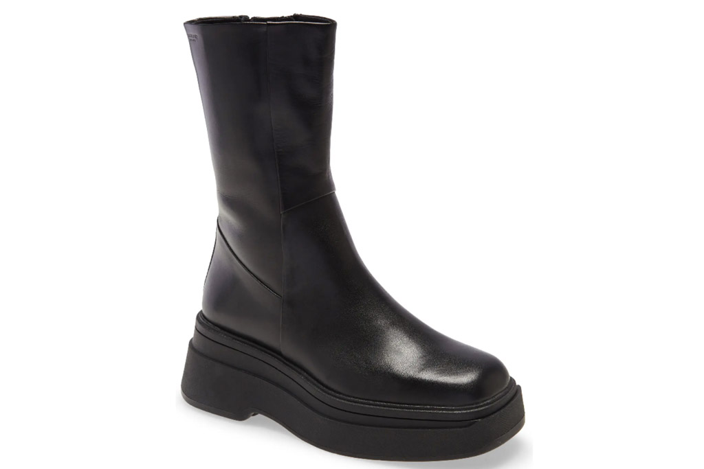 black boots, leather, chunky, vagabond