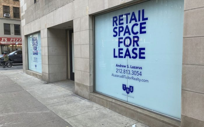Photo by: STRF/STAR MAX/IPx 2020 12/29/20 Businesses continue to close in New York City.