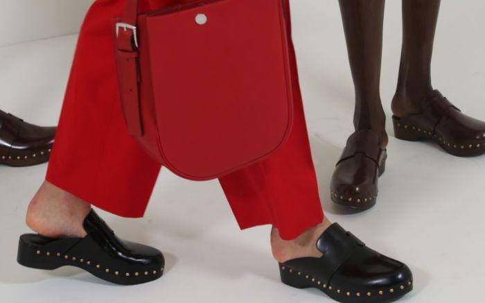 hermes, hermes clogs, clogs, clog trends, spring 2021 trends, 2021 trends, fashion trends, fashion, shoes