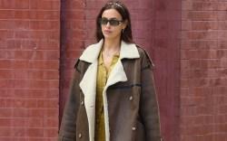 Irina Shayk looks stylish with a