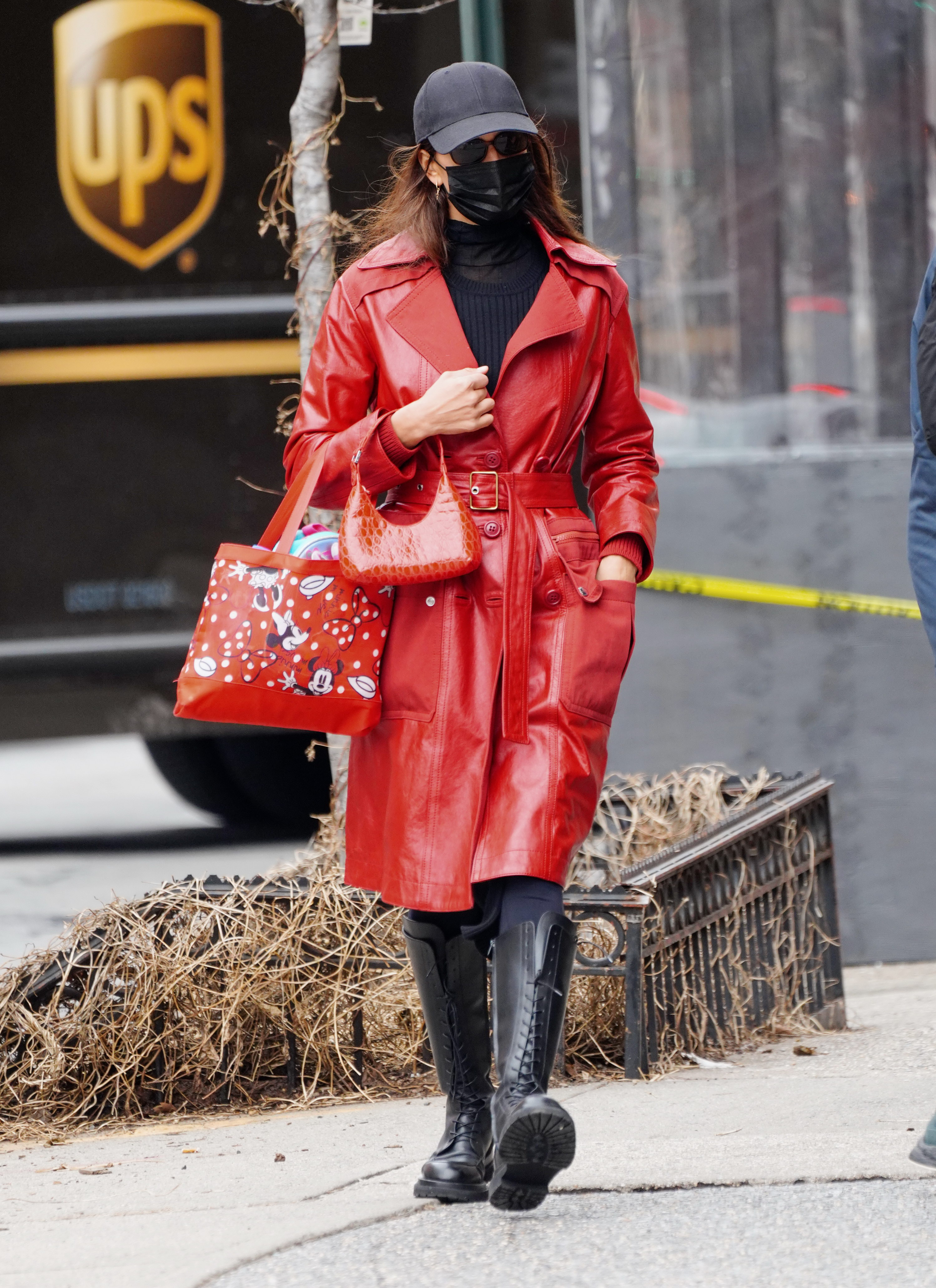 Irina Shayk out and about in a leather trench in New York. 27 Jan 2021 Pictured: Irina Shayk. Photo credit: MEGA TheMegaAgency.com +1 888 505 6342 (Mega Agency TagID: MEGA729520_004.jpg) [Photo via Mega Agency]