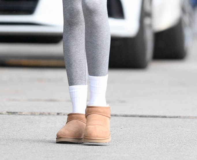 Kaia Gerber arrives at a pilates class. 28 Jan 2021 Pictured: Kaia Gerber. Photo credit: Rachpoot/ MEGA TheMegaAgency.com +1 888 505 6342 (Mega Agency TagID: MEGA729618_001.jpg) [Photo via Mega Agency]