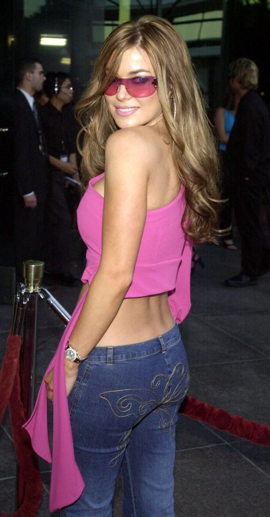 carmen electra, 2000s fashion, 2000s trends, whale tail, low rise jeans