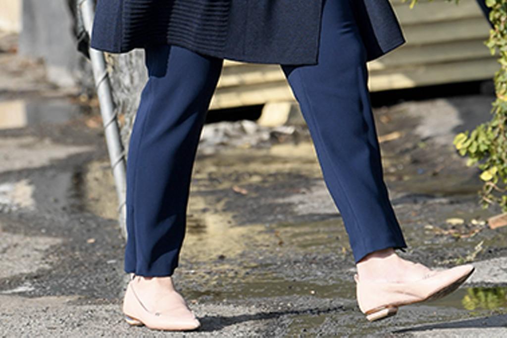 rebel wilson nude loafers, rebel wilson street style, rebel wilson
