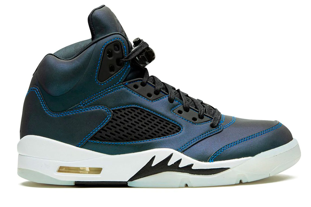 blue black sneakers, air jordan