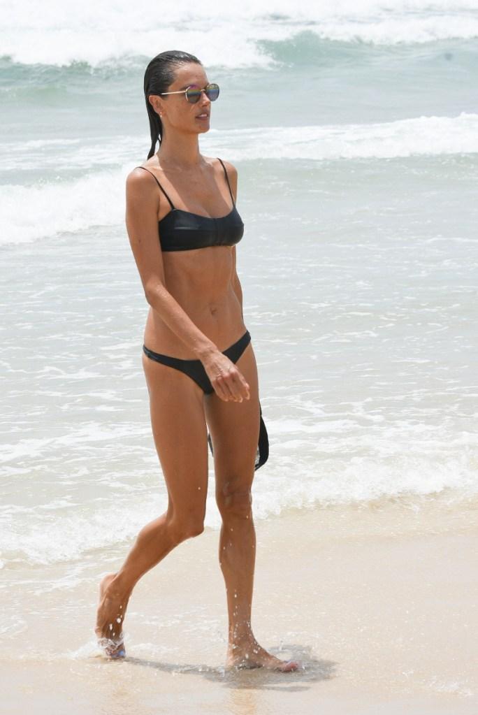 alessandra ambrosio, bathing suit, bikini, shorts, swim, sandals, thong, flip flops, brazil, rio de janeiro
