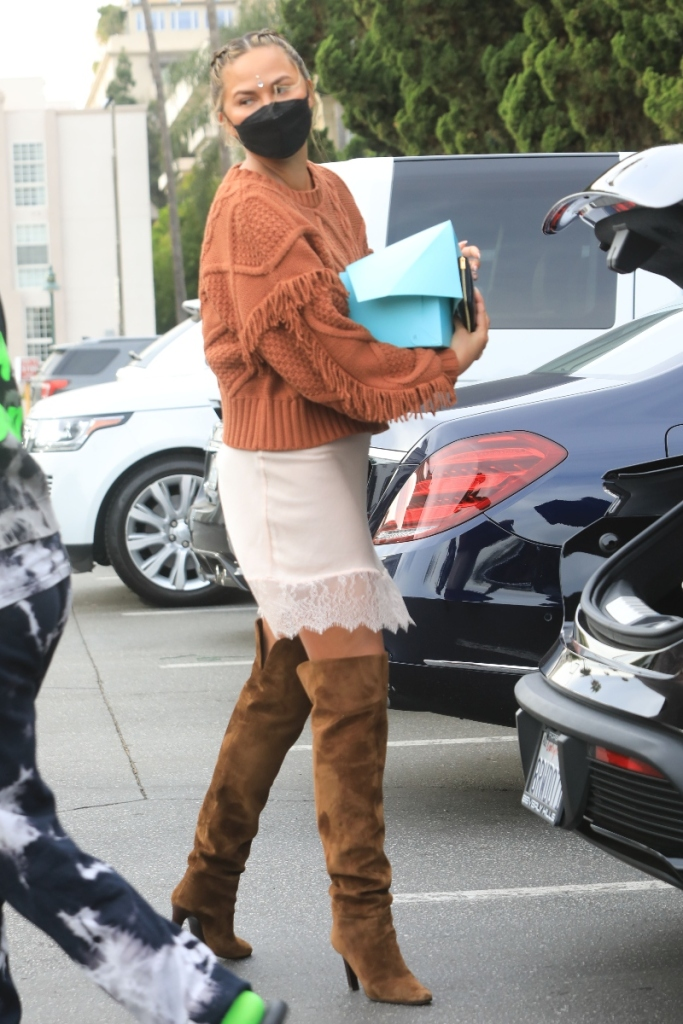 chrissy teigen, dress, nightgown, sweater, boots, shopping, groceries, los angeles