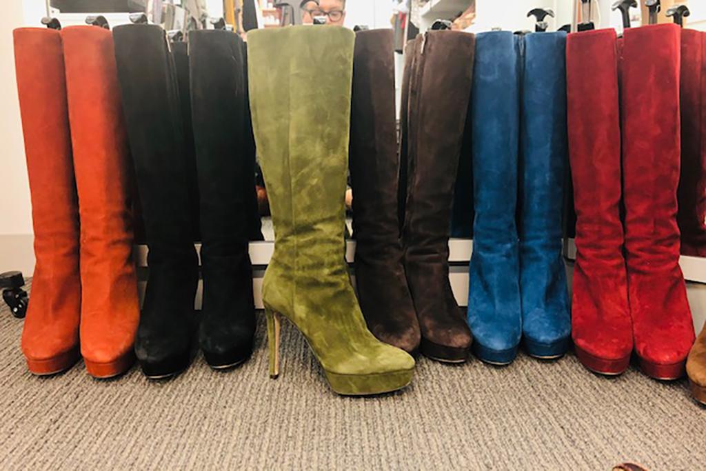 Drew Barrymore, boots, jimmy choo