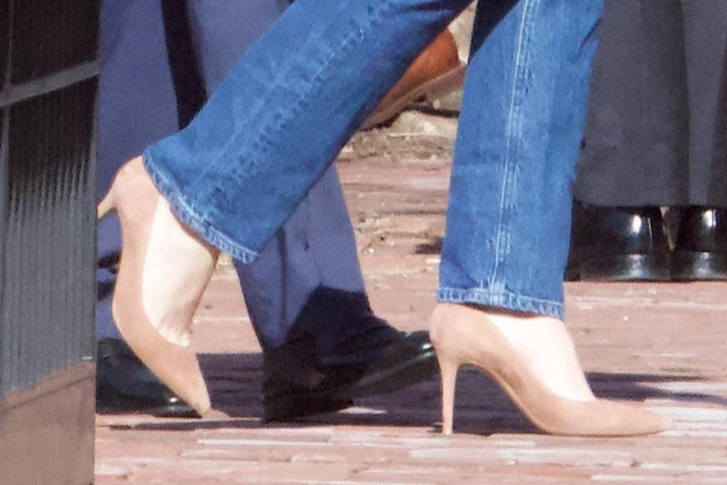 joe biden, granddaughters, finnegan biden, jeans, skinny jeans, blazer, heels, dc, church, maisy biden