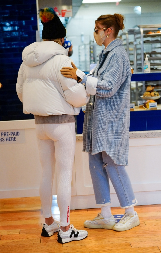 gigi hadid, jeans, jacket, sneakers, shirt, reebok, yolanda hadid, shopping, new york