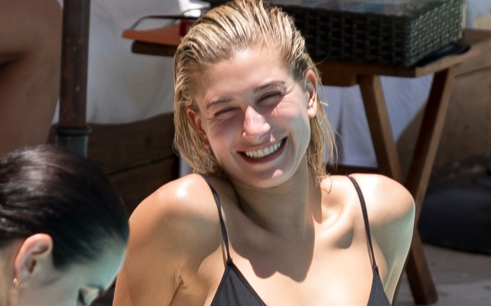 hailey-baldwin-beach-bikini