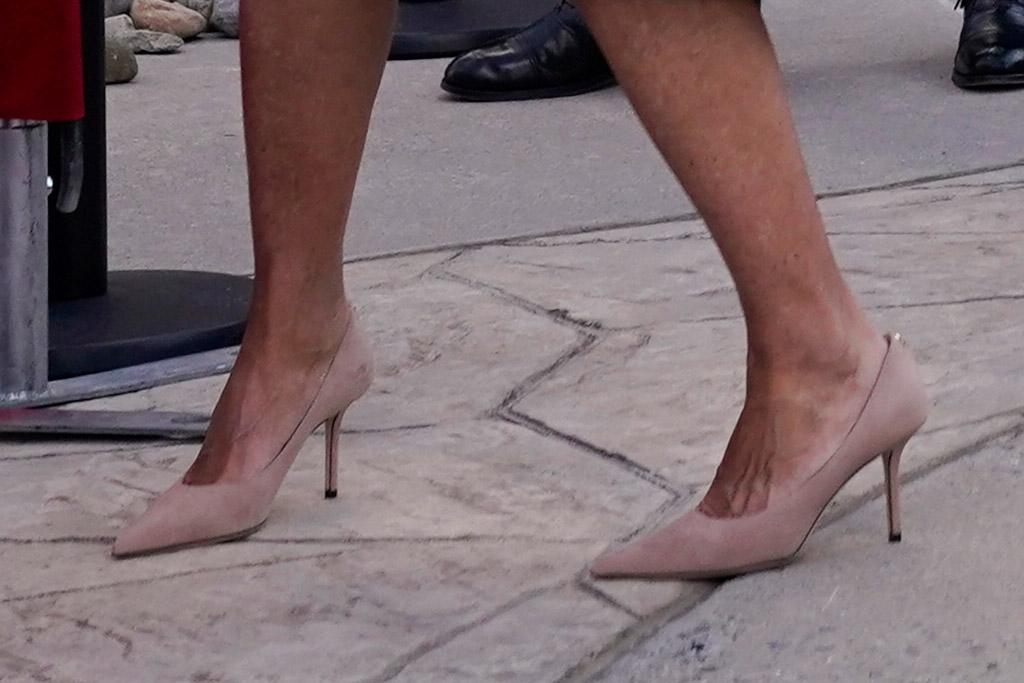 joe biden, jill biden, speech, beau, delaware, center, depart, washington dc, inauguration, purple coat, dress, heels