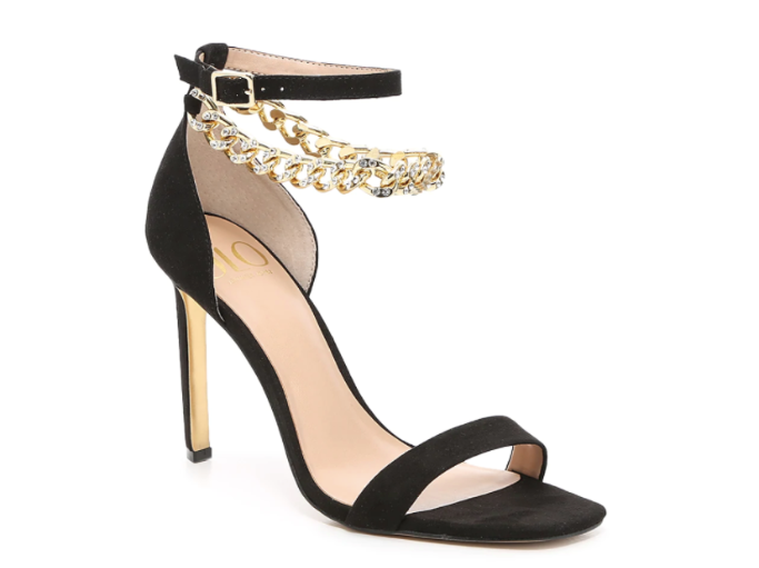 jlo chain sandal, chain shoes trend