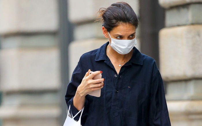 Katie Holmes Spotted Shopping In New York City