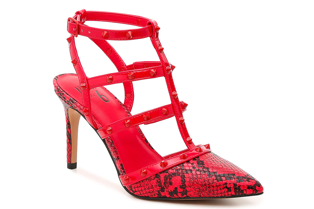 red sandals, studded, strappy, mix no 6
