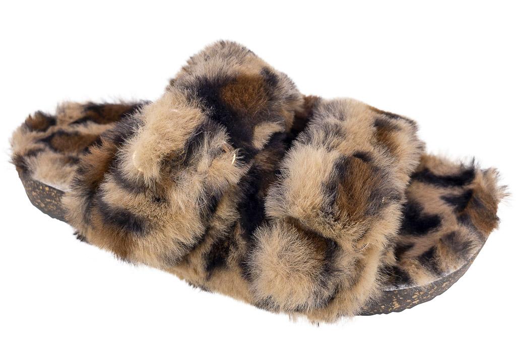 slippers, fuzzy, walmart