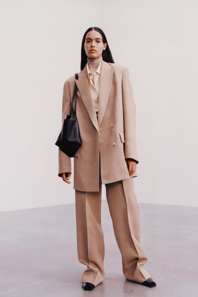 the row, nyfw, fall 2021, fall 2021 trends, fashion trends, the row fashion, shoes, suit trend