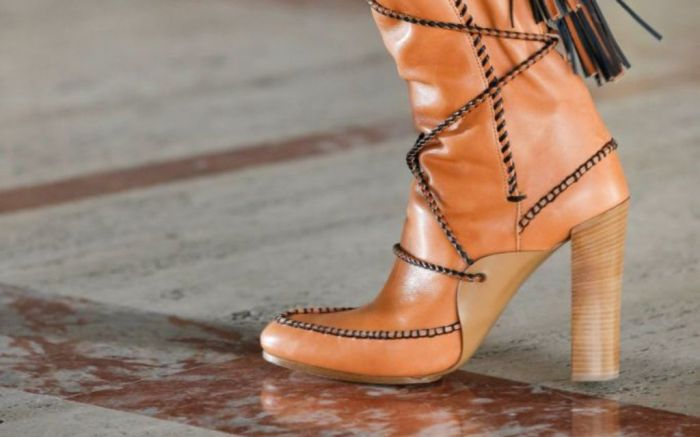 ulla johnson, ulla johnson fall 2021, fall 2021, fashion, nyfw, new york fashion, shoes, boots
