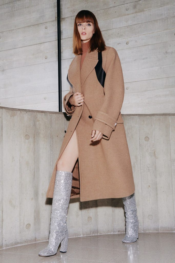 victoria beckham, victoria beckham fashion, victoria beckham fall 2021, fall 2021, fashion, boots, shoes