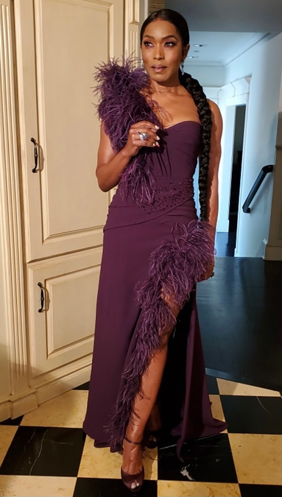 Angela Bassett, golden globes, plum gown