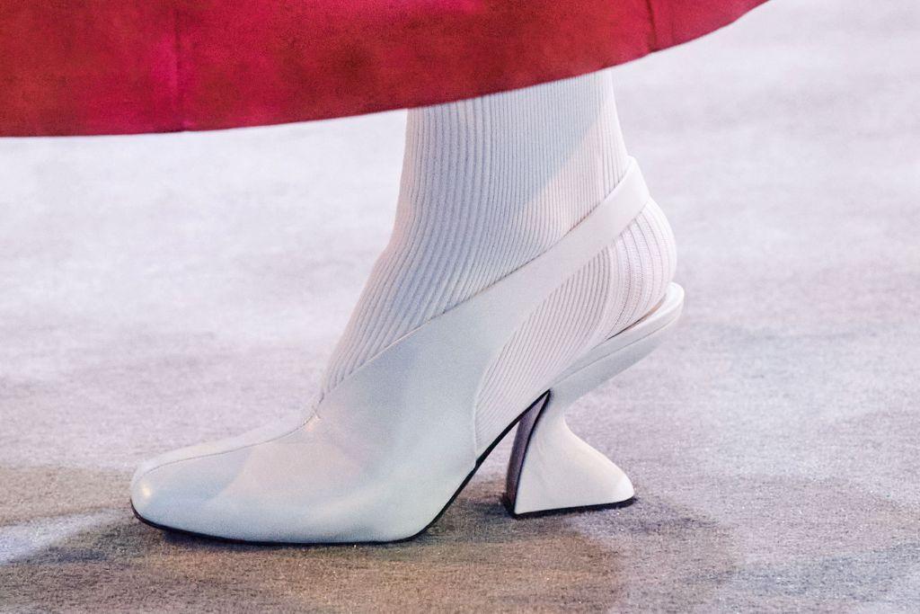 ferragamo, mfw, milan fashion week, milan fashion week top trends, fall 2021 trends, fashion trends, shoes trends