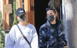Hailey Bieber and Addison Rae breakfast