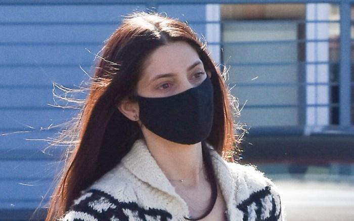 ashley-greene-mask