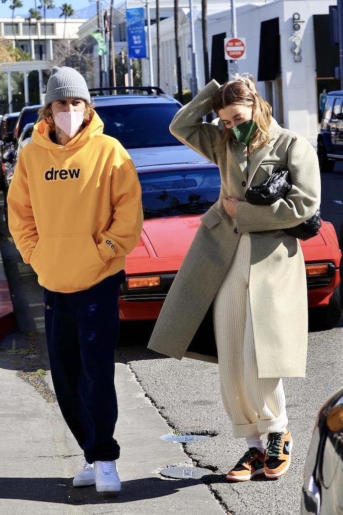 Justin and Hailey Bieber enjoy brunch in Beverly Hills. 20 Feb 2021 Pictured: Justin and Hailey Bieber enjoy brunch in Beverly Hills. Photo credit: Rachpoot/MEGA TheMegaAgency.com +1 888 505 6342 (Mega Agency TagID: MEGA734643_003.jpg) [Photo via Mega Agency]