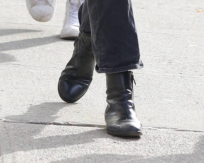 Katie Holmes, black boots