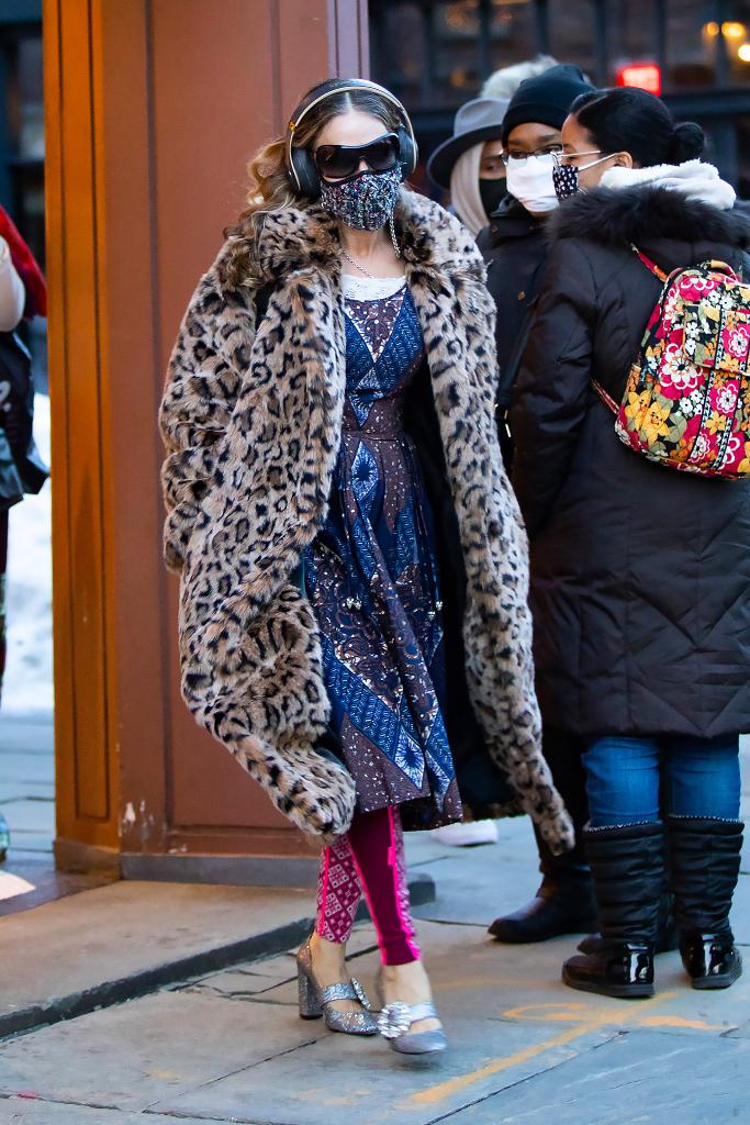sarah jessica parker, leopard coat, paisley dress, leggings, sparkly pumps