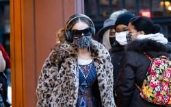 sarah jessica parker, leopard coat, paisley