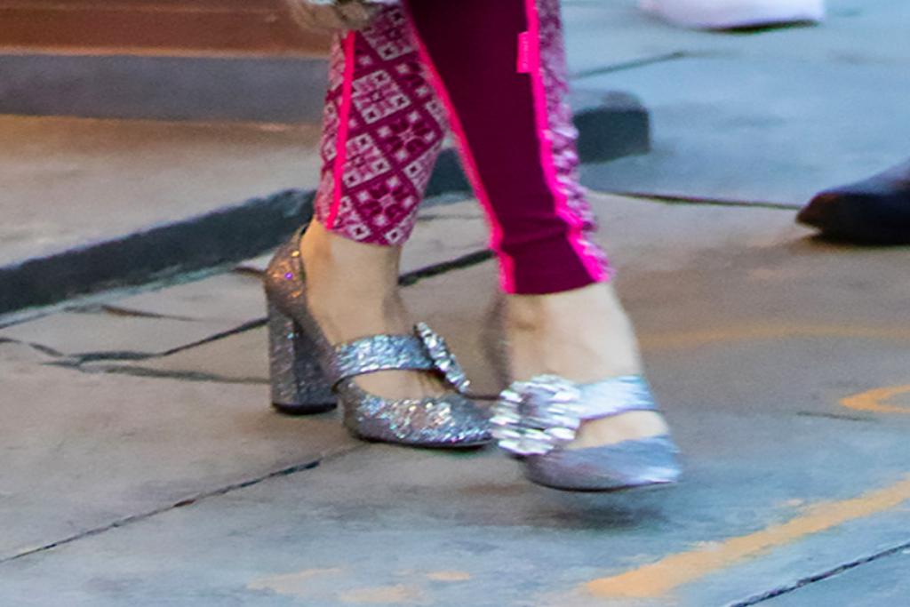sarah jessica parker, celine pumps, sparkly heels