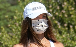 alessandra ambrosio, sports bra, sneakers, sweatpants,
