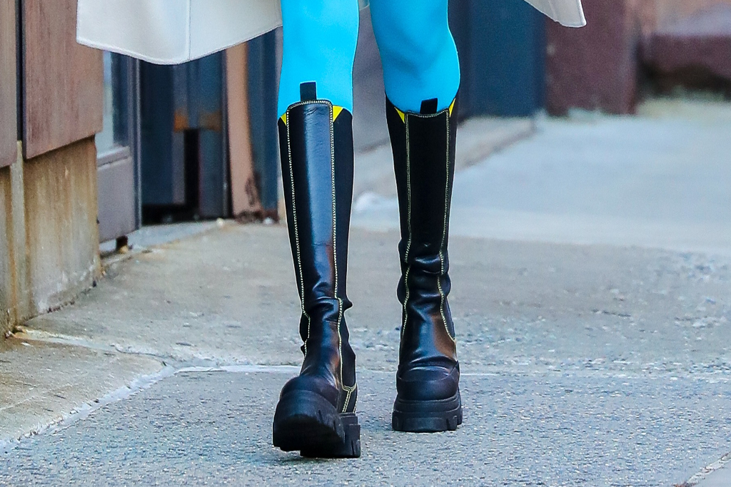 Busy Philipps, Chelsea Boots, Ganni