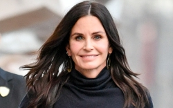 courteney cox, boots, leggings