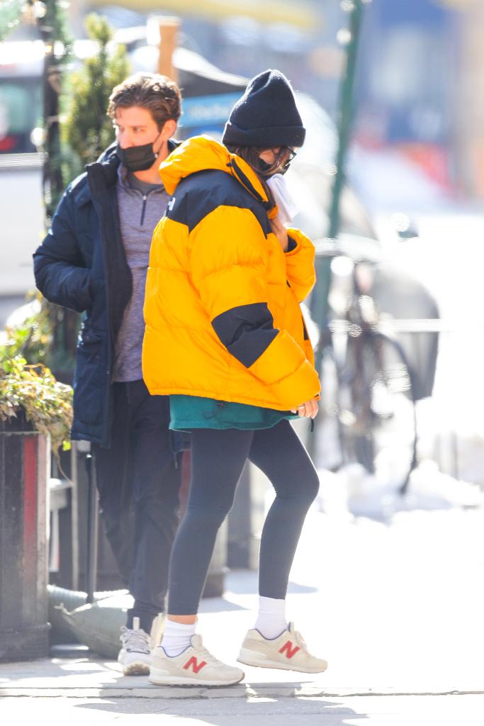 Emily Ratajkowski, yellow north face, leggings, new balance
