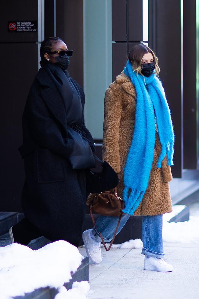 Hailey Bieber, justine skye, winter trends