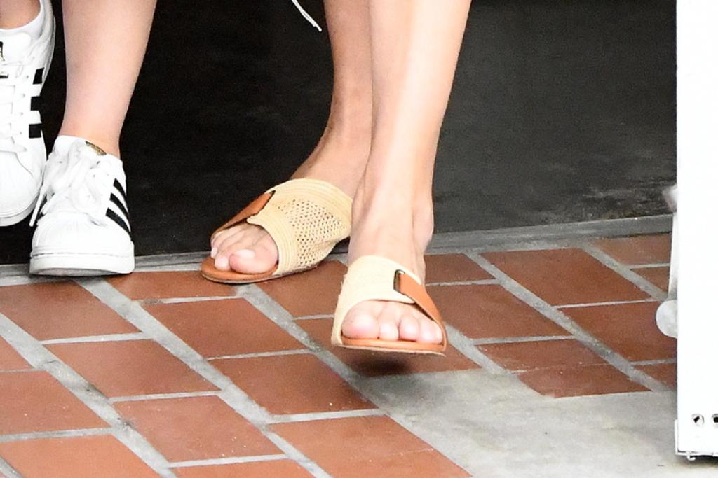 ivanka trump, straw sandals, slide sandals, miami, florida