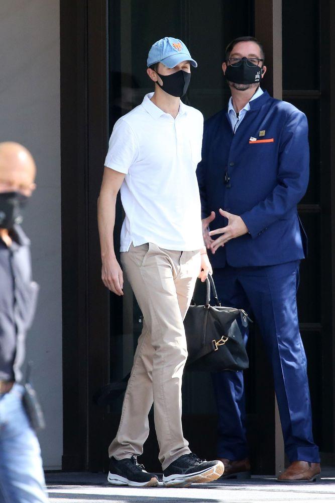 ivanka trump, jeans, skinny jeans, white blouse, top, hat, espadrilles, jared kushner, sneakers, miami, florida